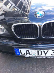 BMW mit Kennzeichen LA-DY